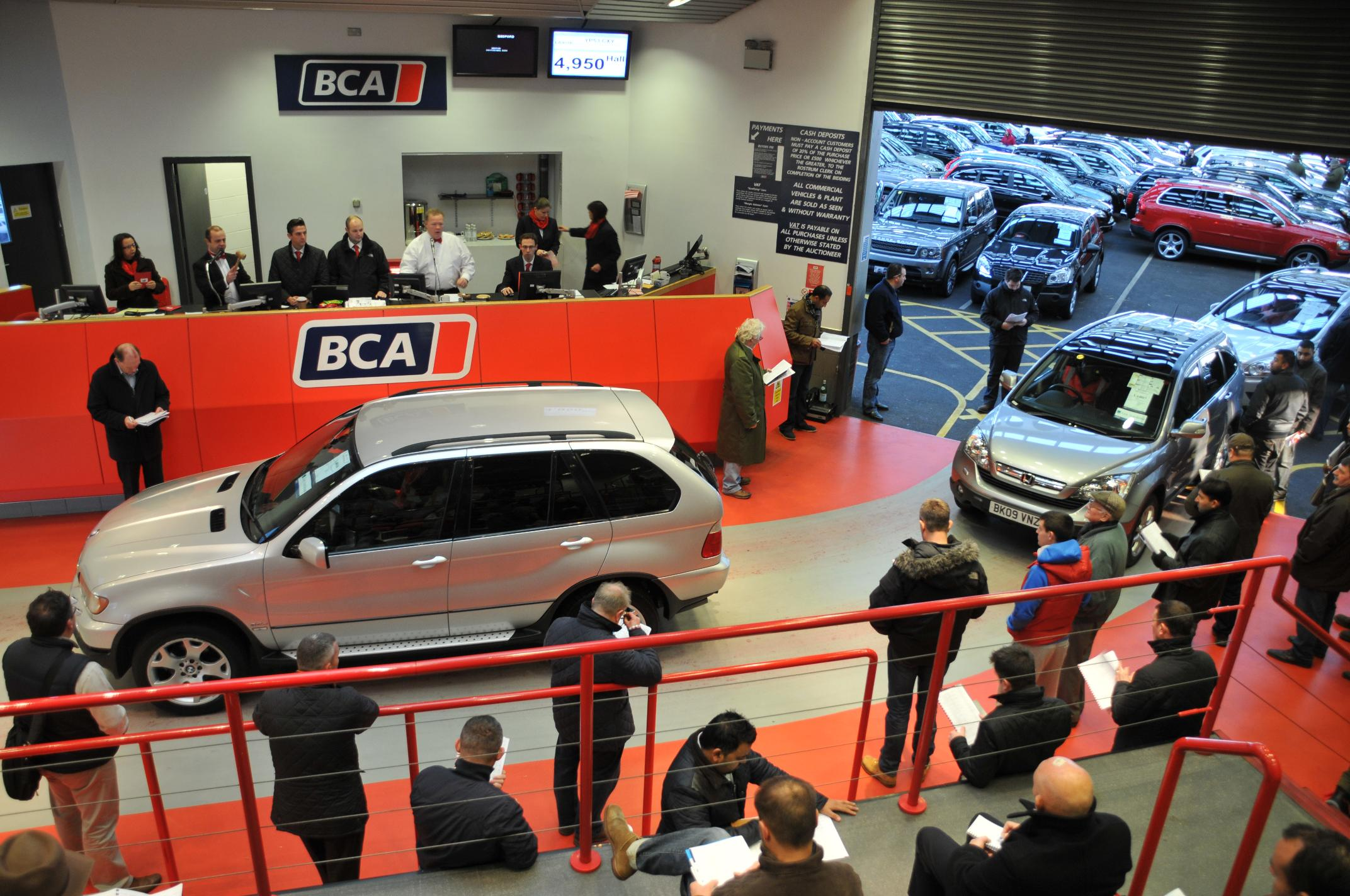 Ex-fleet car values reach record levels at auction - Motor