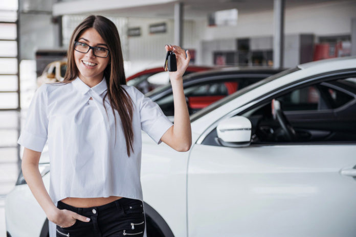 woman car 1